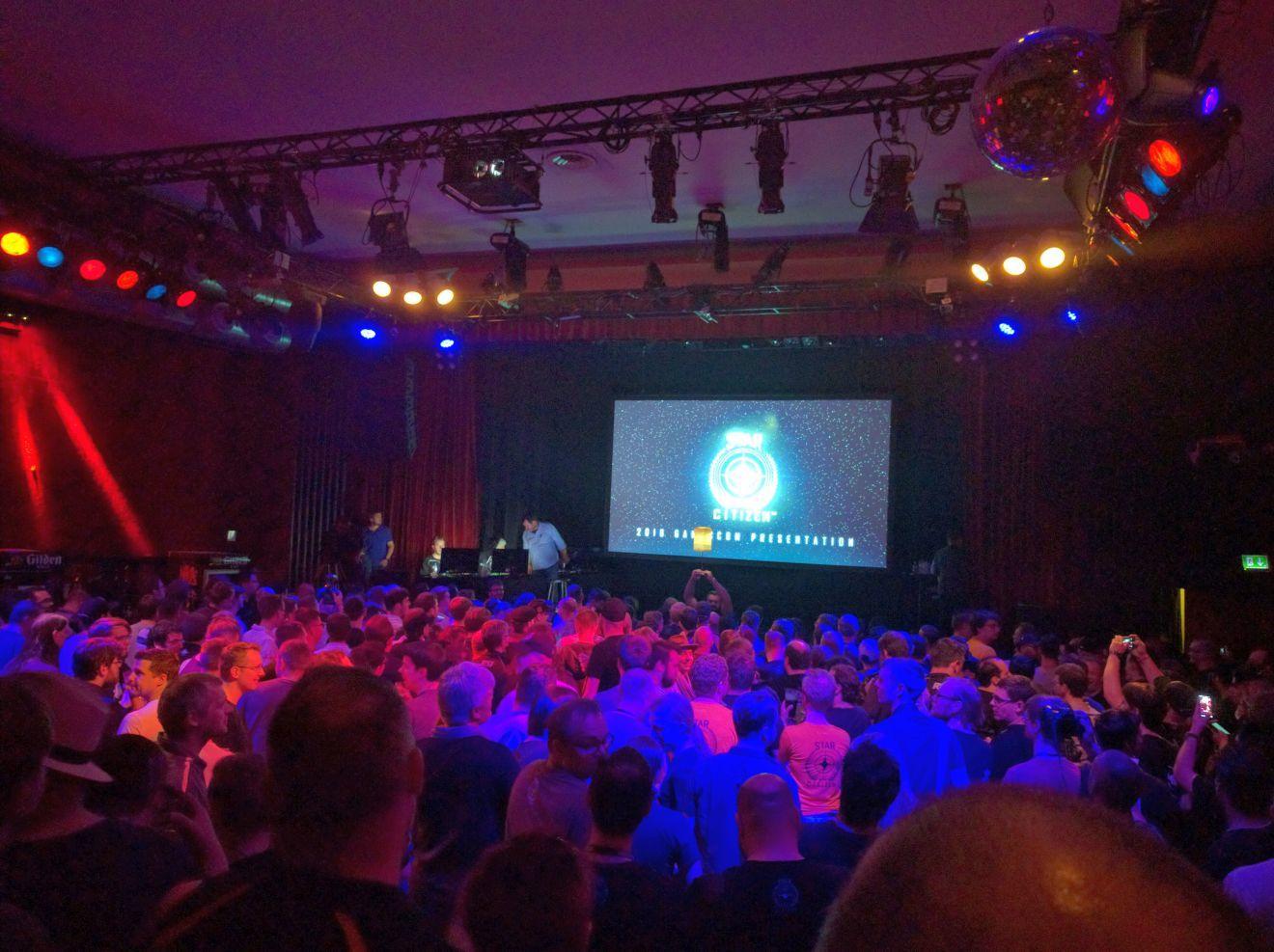 Gamescom 2016 - Przed rozpoczęciem prezentacji SC w środku Gloria Theater