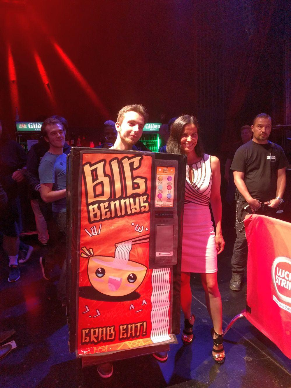 Gamescom 2016 - Sandi Gardiner i Dastro aka Big Benny cosplay