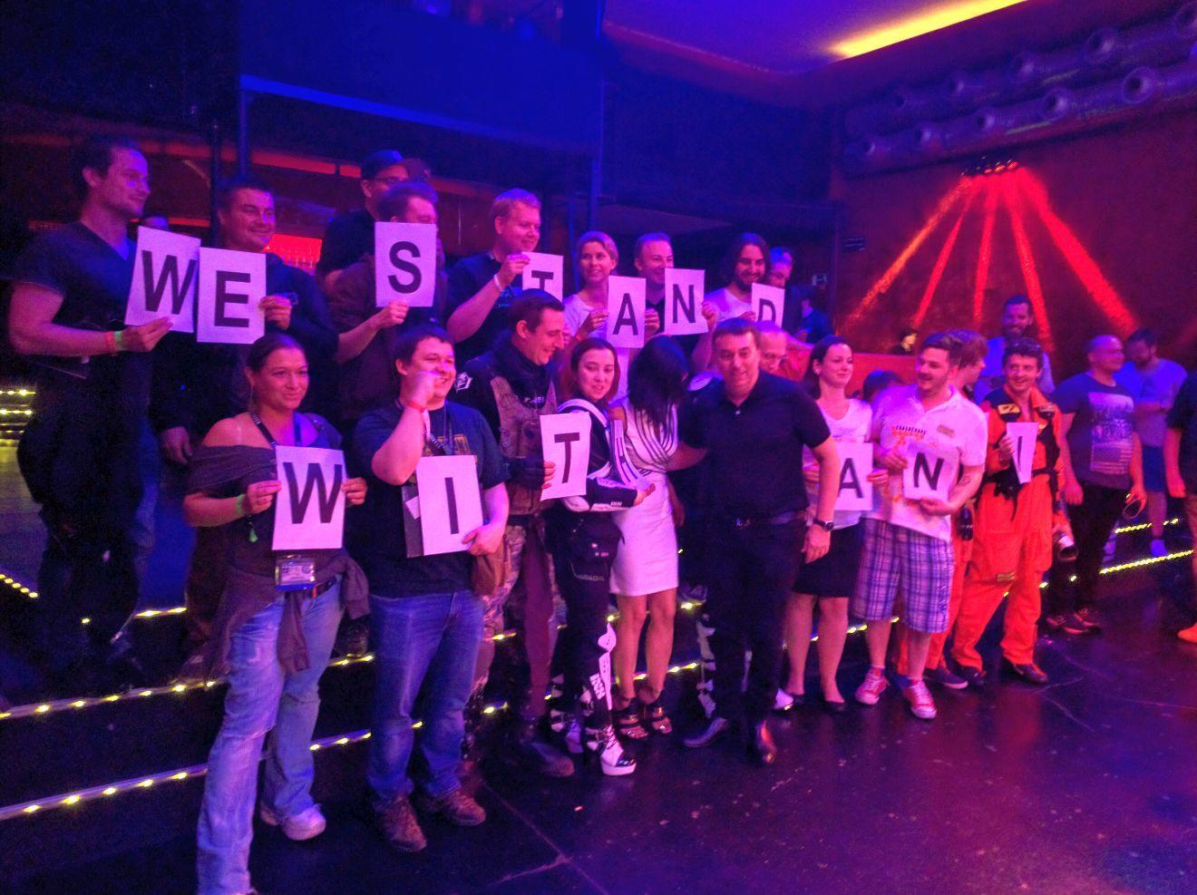 Gamescom 2016 - Społeczność SC okazująca wsparcie dla Sandi Gardiner