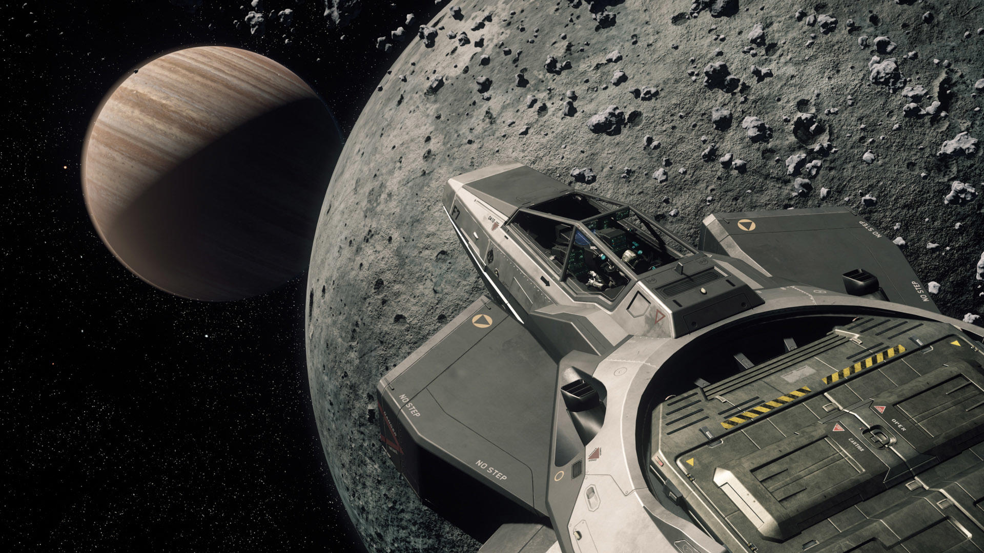 Anvil F7C Hornet nad księżycem Yela z planetą Crusader w tle